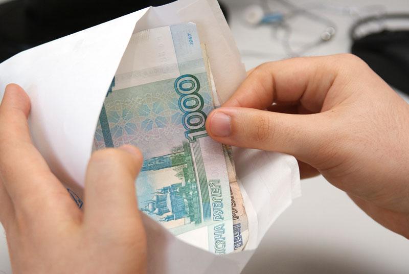 К минимальной зарплате в Саратовской области все-таки прибавили тысячу рублей