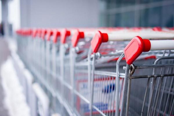«Семейный» позвали в суд: закрыв сеть саратовских супермаркетов, «Волгаторг» перестал платить поставщикам