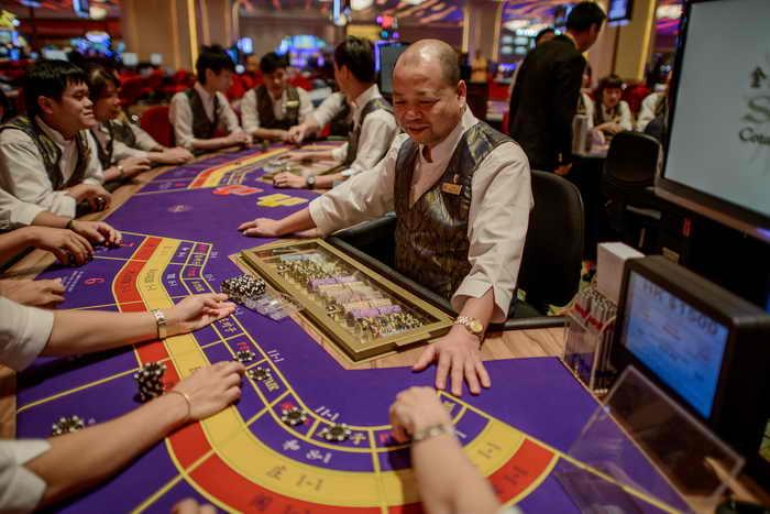 Один из секторов рулетки казино 5 букв развлекательный комплекс горки цены на игровые автоматы