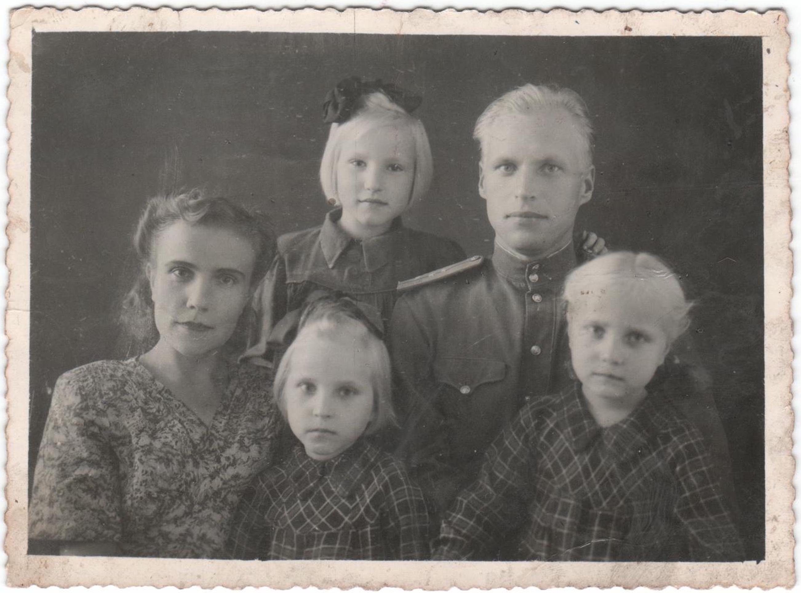 Сестра дала себя брату пока родители ушли 26 фотография
