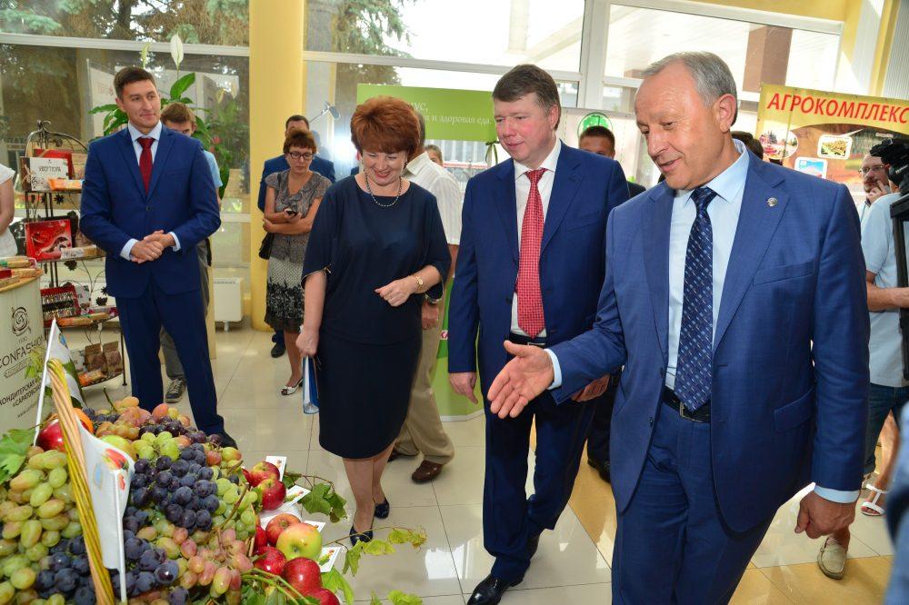 Как Саратов Москву кормит: на выставке показали поставляемые в столицу продукты