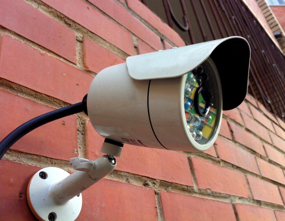 Двор-ТВ онлайн: идея с веб-камерами во дворах удалась в Казани, но провалится в Саратове