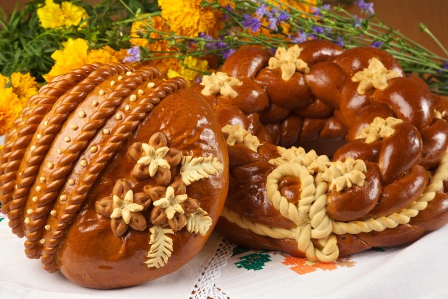 Калач праздничный, хлеб свадебный