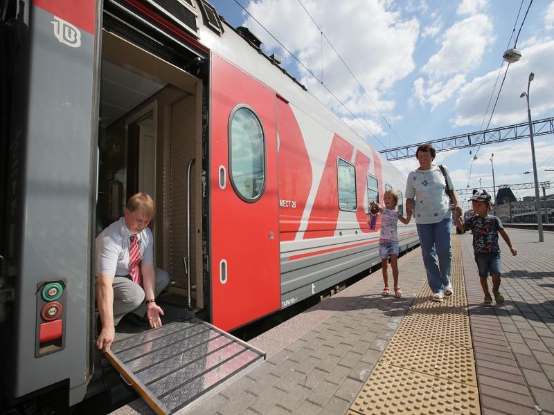 Поезда КбшЖД оборудовали съемными переходными устройствами для маломобильных пассажиров