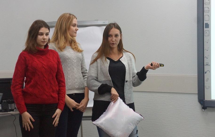 Самым доходным студенческим стартапом в Саратове стал клининг, но зрители симпатизируют подушкам