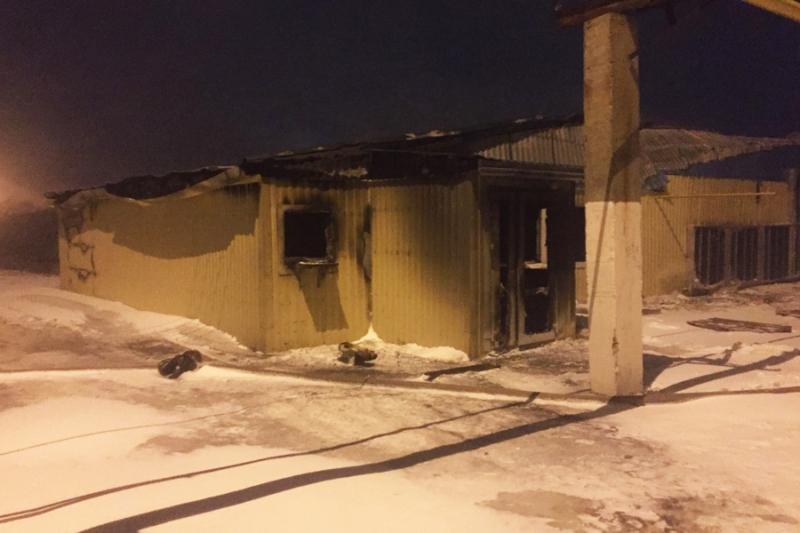ВЭнгельсе выгорело неменее  тысячи квадратных метров здания натерритории птицефабрики