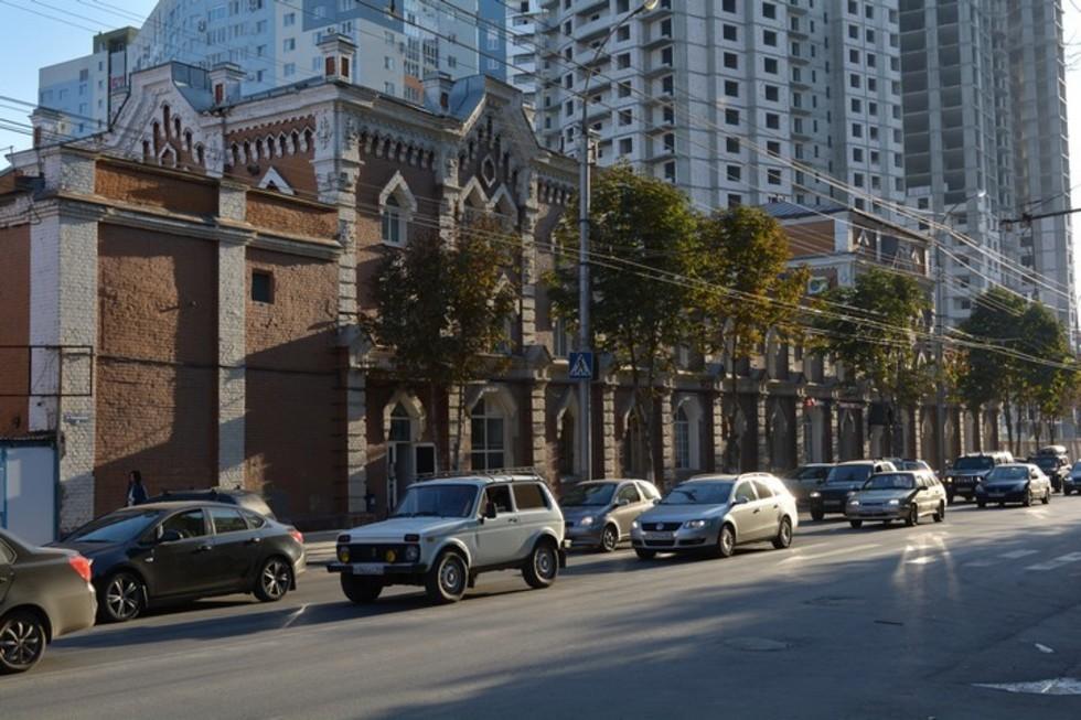 На Чернышевского в Саратове больше не будет небоскребов. Пока лишь у амбара Шмидта