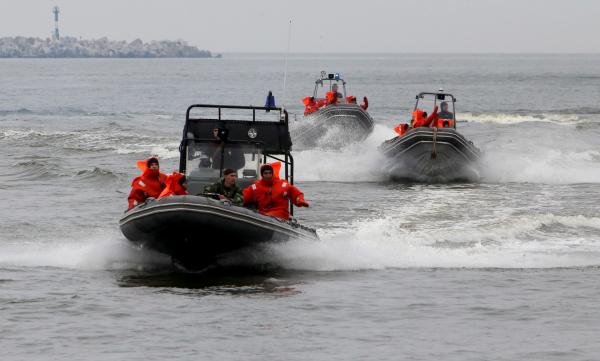 Приплыли: охотиться на саратовские катера и яхты будут 13 плавучих эвакуаторщиков
