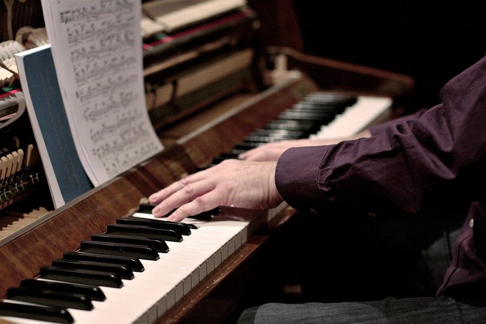Воскресный вечер в Саратовской филармонии: концерт Бетховена для фортепиано с оркестром