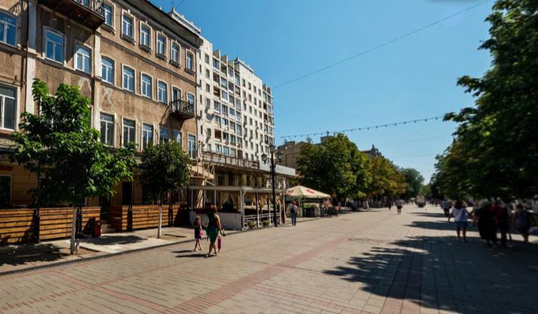 Козырный квартал между Театральной площадью и проспектом Кирова в центре Саратова размежуют под гостиницу