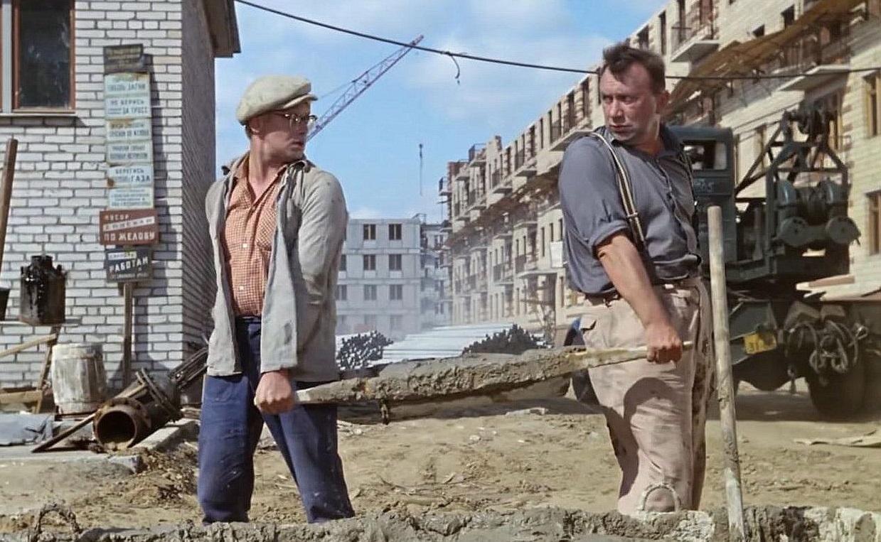 Дольщики или врачи — чей дом в Саратове построят раньше? Управление капстроительства провалило уже 3 аукциона по Елшанке