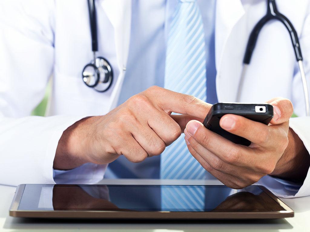 Алло, врач вас слушает: в саратовской поликлинике протестировали медицинские онлайн-консультации через систему «МедОК»