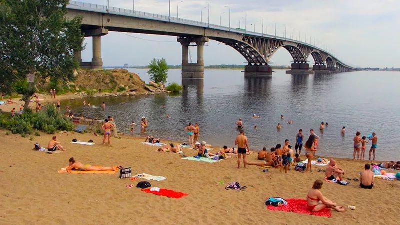 Бизнесмен Михаил Волков объяснил, почему саратовскому пляжу не стать австрийским островом для нудистов