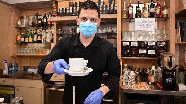 Саратовские рестораторы провели опрос: ковид никак не связан с посещением кафе и ресторанов. И Роспотребнадзор должен это учесть