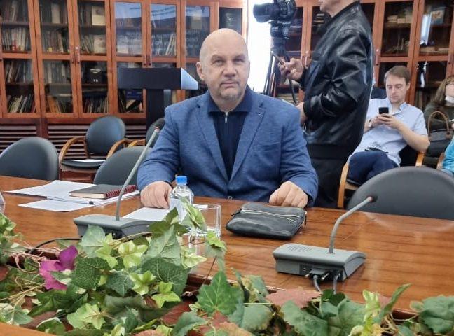Олег Комаров: для не выполнивших обещания саратовских депутатов нужна процедура политического банкротства